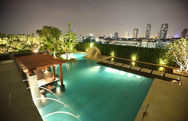Watermark-Chaophraya-River-Bangkok-condo-for-sale-swimming-pool-6